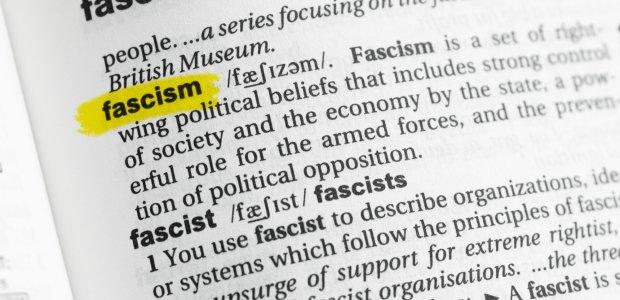 Parlament Europejski potępia rosnącą liczbę neofaszystowskich aktów przemocy w Europie