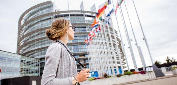 Ultra szybka sieć i tańsze połączenia międzynarodowe w całej UE